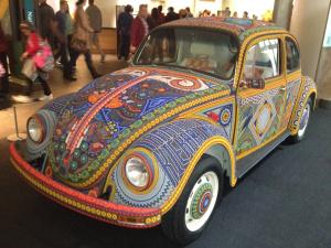 Vochol: arte huichol en DC